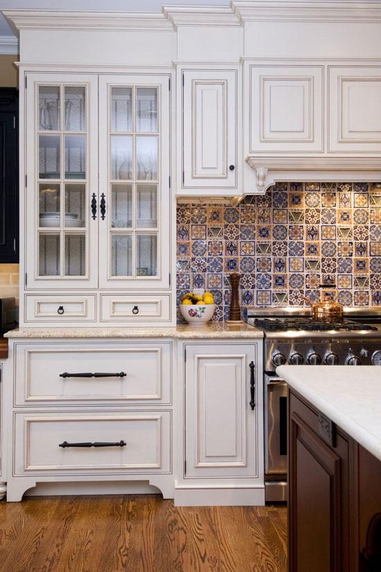 keuken met tegels en patronen