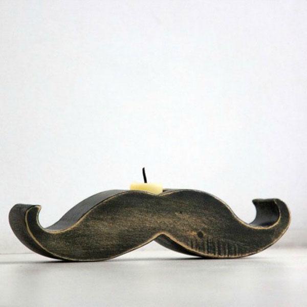 kaarshouder in de vorm van een snor