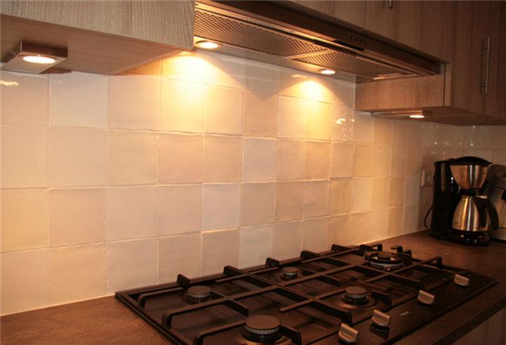 Tegels Keuken Achterwand : Bekleding van de Spatwand van een Keuken – woonmooi