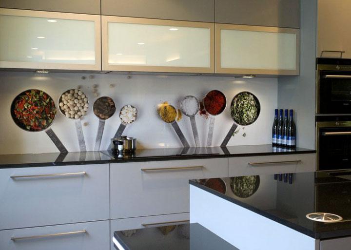 Keuken Achterwand Kunststof : Bekleding van de spatwand van een keuken woonmooi
