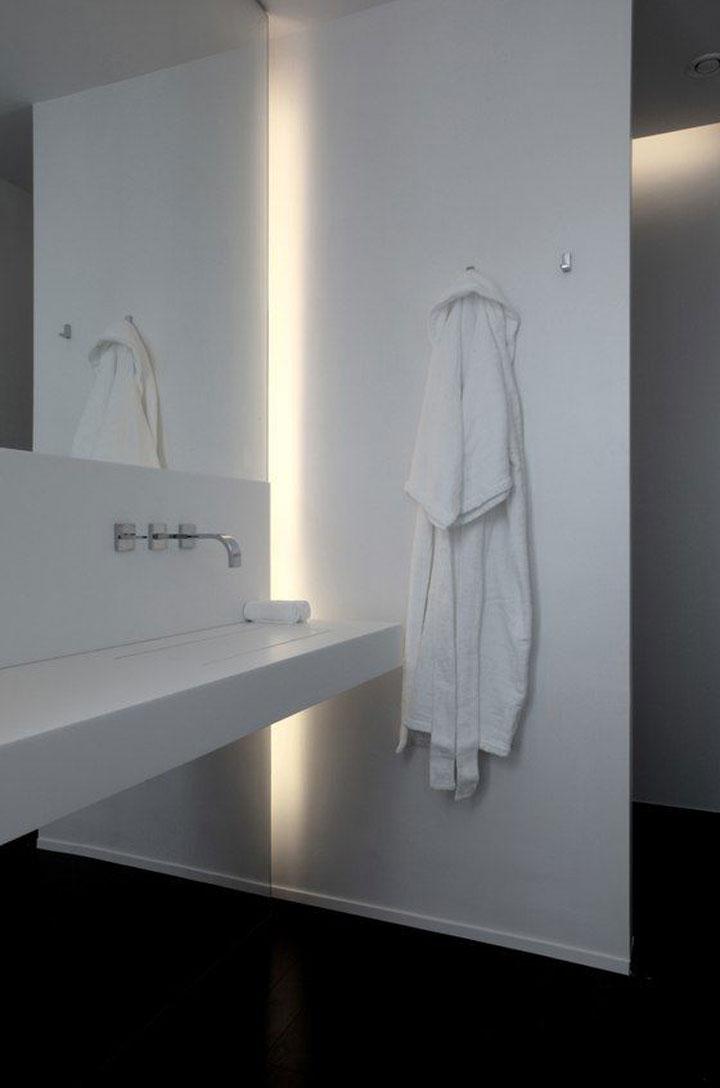 badkamer met lichtstrook