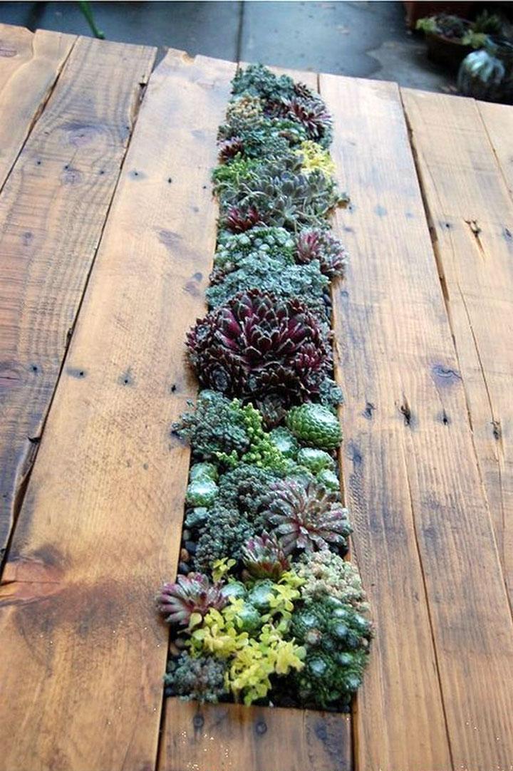 tuintafel met plantenbak