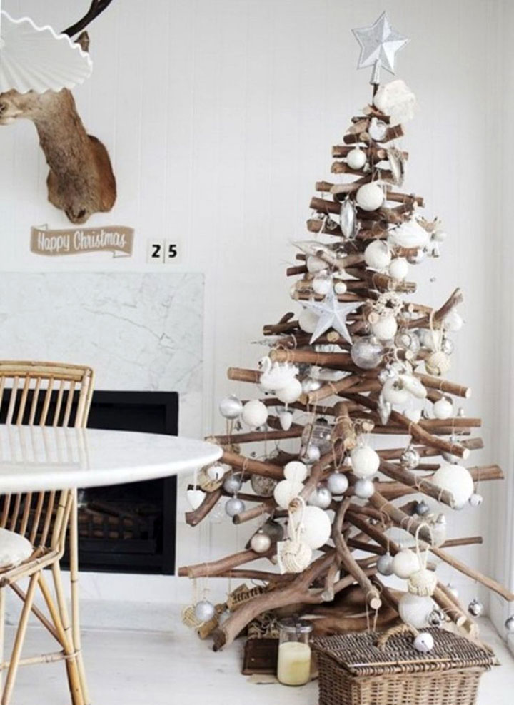kerstboom gemaakt van takken