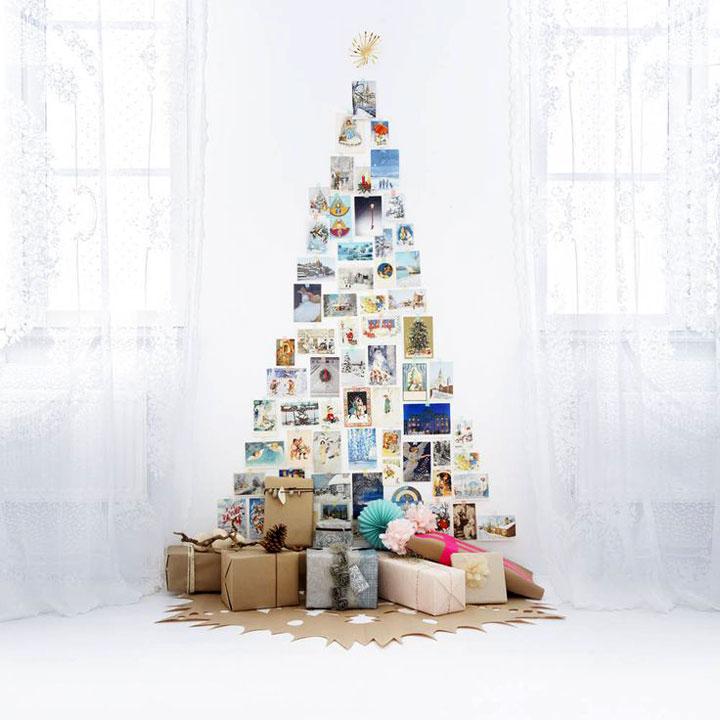 kerstboom tegen de muur