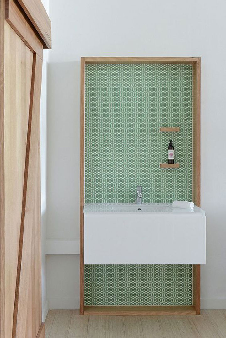 groene tegels badkamer