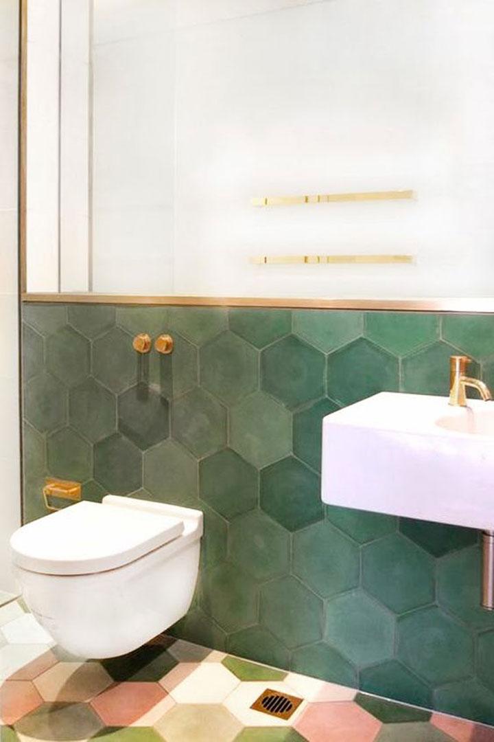 zeshoekige badkamertegels groen