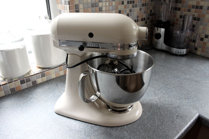 kitchenaid artisan retro mixer