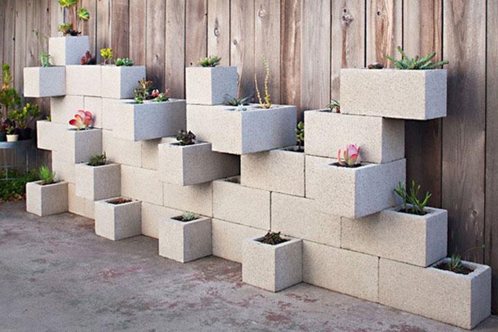 holle betonblok met planten