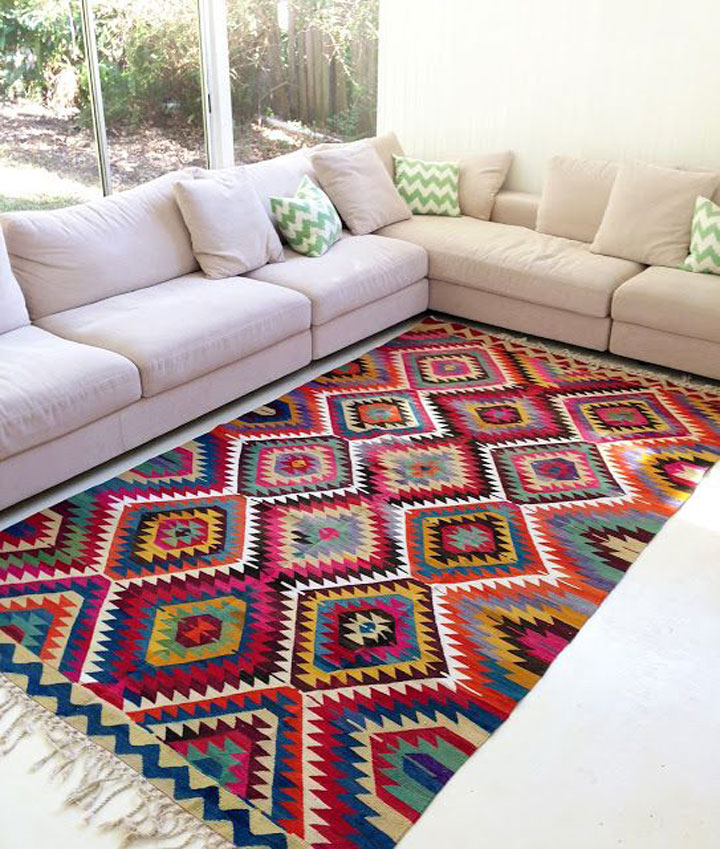 kelim tapijt in de woonkamer