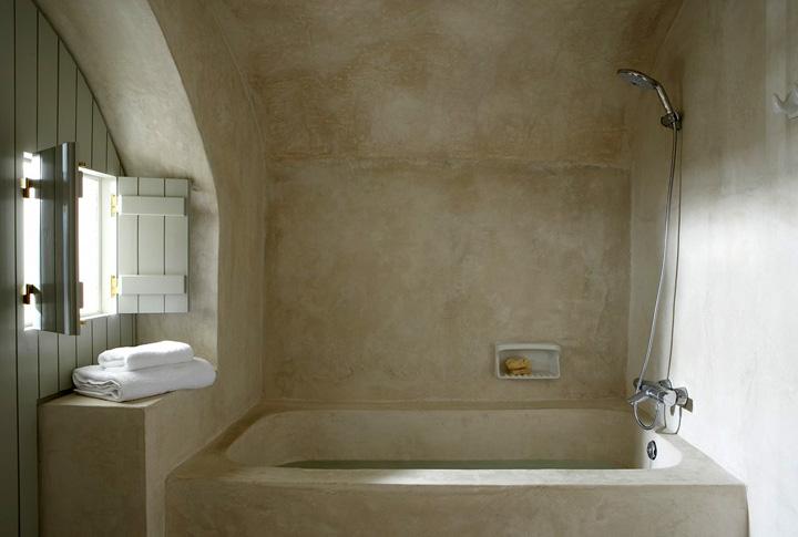 bepleisterde badkamer