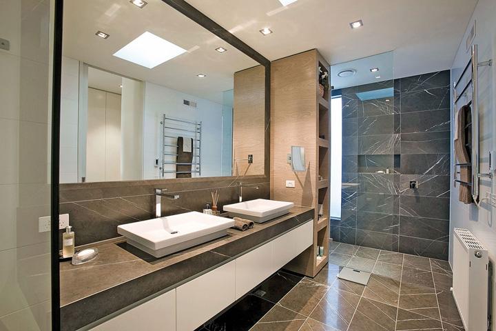 Luxueuze wandbekleding voor de badkamer - woonmooi
