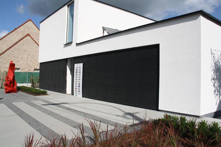 Inspiratie onzichtbare garagepoorten woonmooi - Moderne buitenkant indeling ...