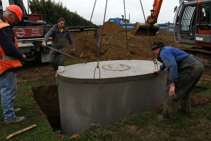 citerne septische put in beton plaatsing