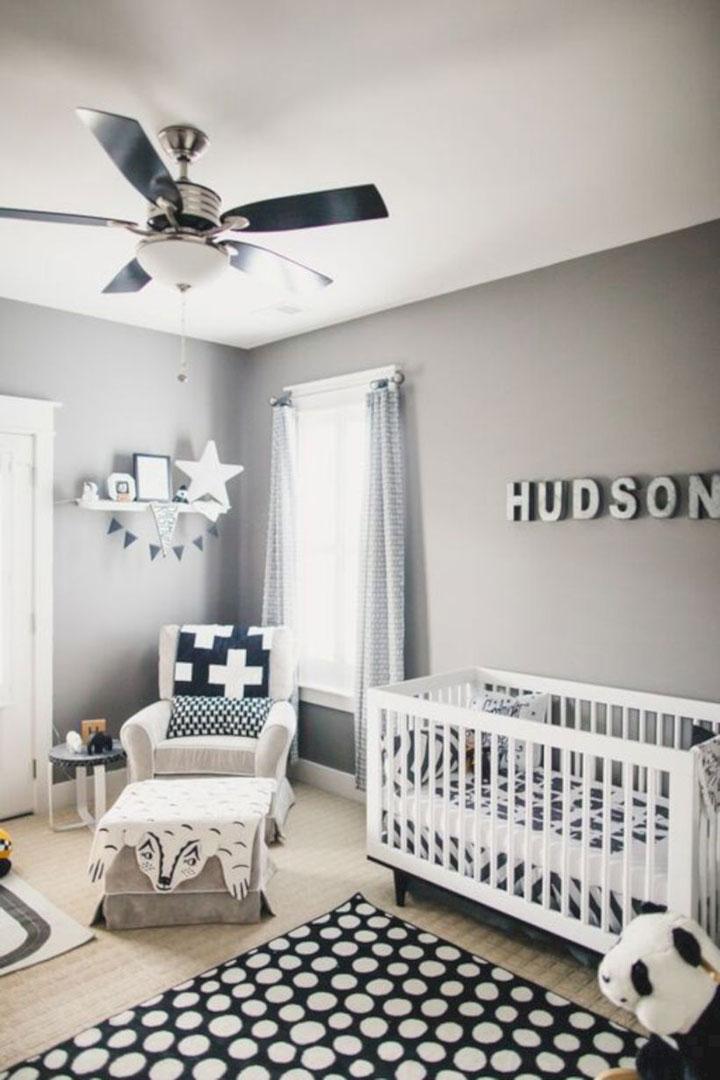 moderne lichte babykamer