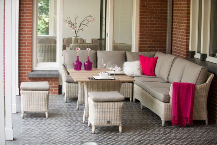 wicker loungeset terras