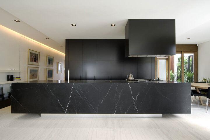 keukeneiland zwart marmer