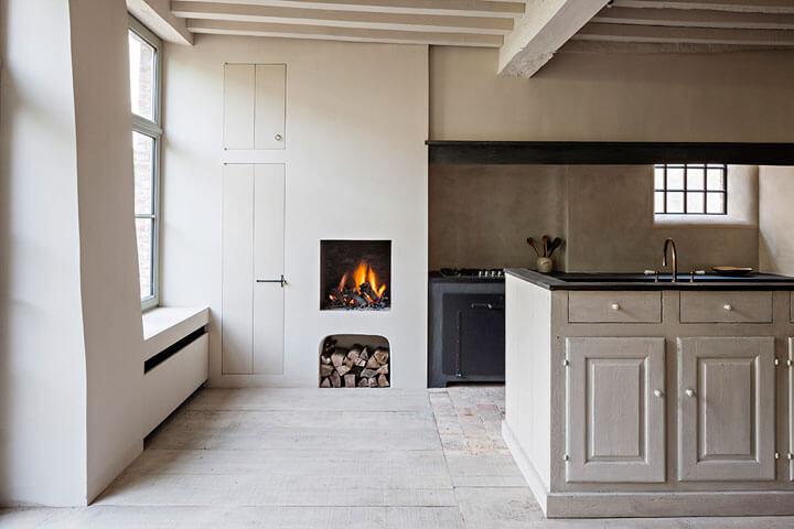 houthaard in muur keuken