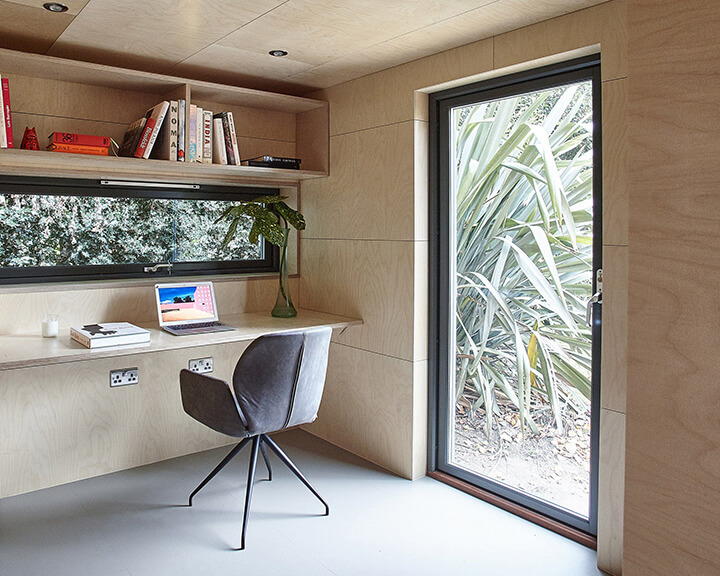 interieur kantoor in de tuin