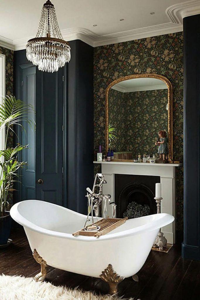 retro badkuip vrijstaand in vintage badkamer