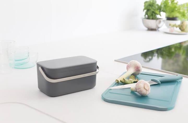 design afvalbakje voor etensresten o het aanrecht in de keuken