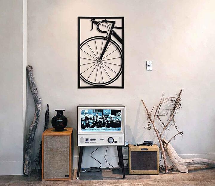 zwart stalen muurdecoratie fiets